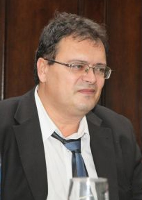 Conservatorii de Bahlui lăsați cu ochii-n soare de bărbatul senatoarei Mihaela