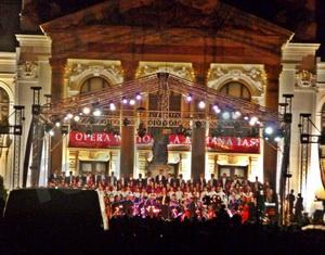 Opera_Iasi_spectacol_in_aer_liber