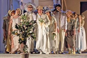 Teatrul_National_Iasi_Palaria_florentina