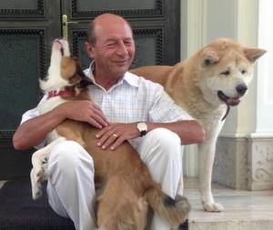 Traian_Basescu_caini