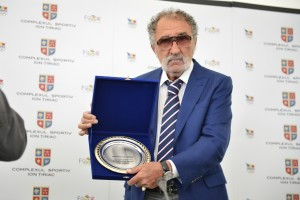 ion-tiriac-intra-randul-legendelor-din-international-tennis-hall-fame1362476901