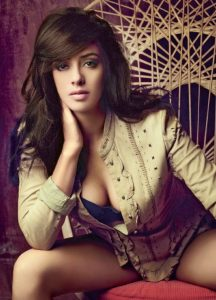 Hazel-Keech-Sexy-Photo-738x1024
